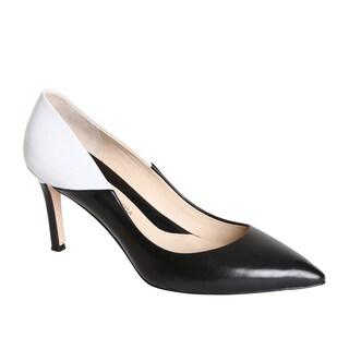 Carolinna Espinosa Women's 'Oli' Black and White Pointed Toe Pumps