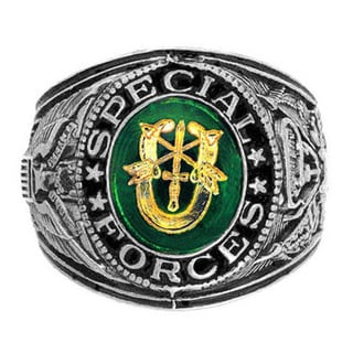 Antiqued Silvertone Austrian Emerald Crystal Official US Special Forces Engraved Ring