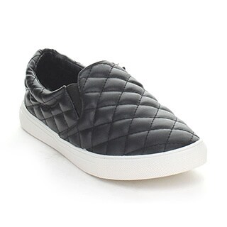 Forever Women's 'Desire-33' Black Quilted Slip-on Loafers