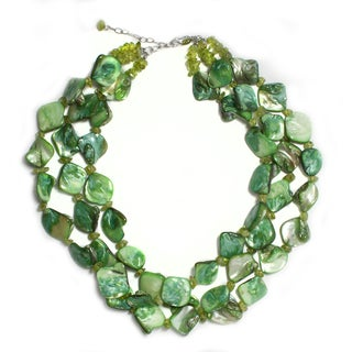 18-inch Green Mother of Pearl and Peridot Necklace
