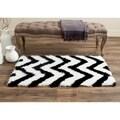 Safavieh Handmade Barcelona Shag White/ Black Polyester Rug (2' x 3')
