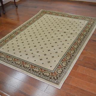 Traditional Oriental Beige Area Rug (6'7 x 9'6)