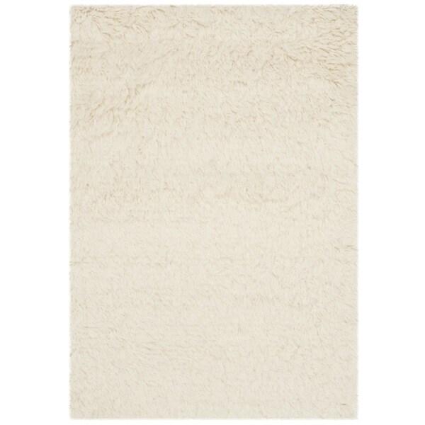 Safavieh Handmade Flokati Ivory Wool Rug (2'6 x 4')