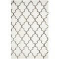 review detail Safavieh Handmade Barcelona Shag White/ Silver Polyester Rug (8' x 10')