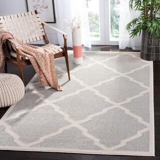 Safavieh Indoor/ Outdoor Amherst Light Grey/ Beige Rug (5' x 8')