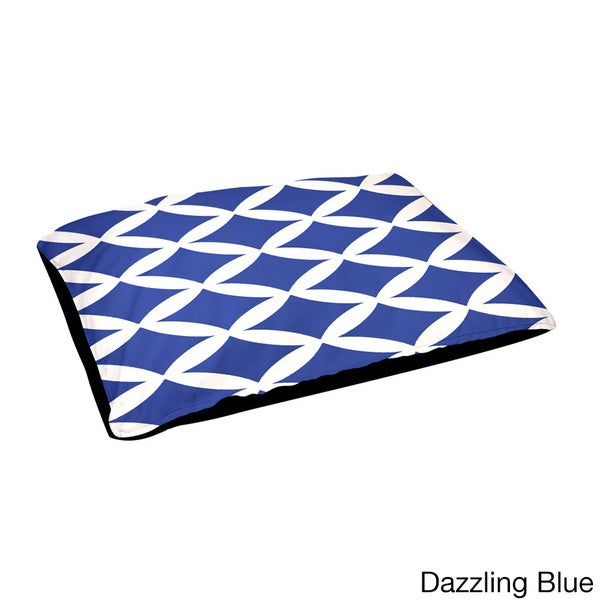 Outdoor Diamond-pattern Geometric 18 x 28-inch Dog Bed