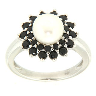 Pearlz Ocean Sterling Silver White Freshwater Pearl and Black Spinel Ring (7-8 mm)