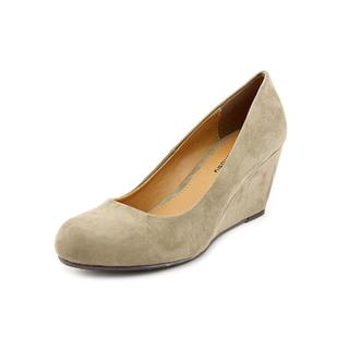 CL By Laundry Women's 'Nima' Faux Suede Dress Shoes
