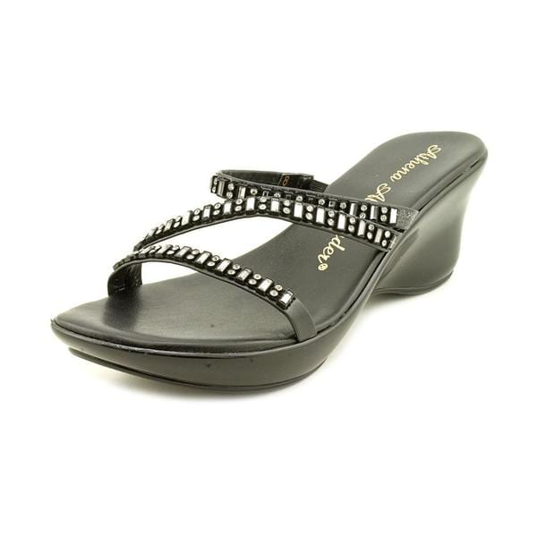 Athena Alexander Women's 'Torrye' Synthetic Sandals