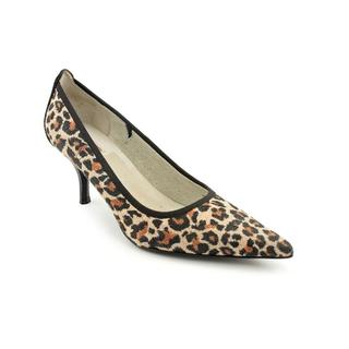 Tahari Women's 'Dottie' Regular Suede Dress Shoes (Size 5.5 )