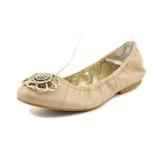 Tahari Women's 'Vanna' Leather Dress Shoes