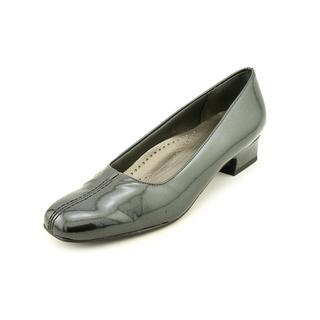 Trotters Women's 'Doris Pearl' Patent Leather Dress Shoes