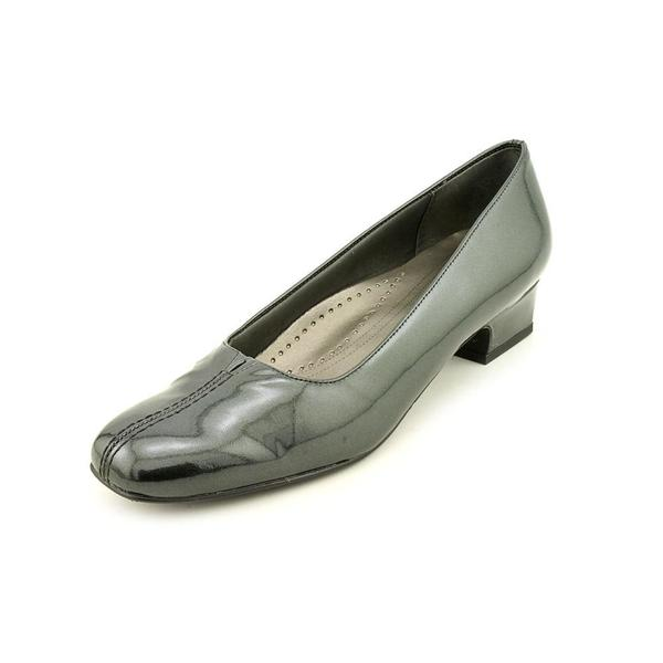 Trotters Women's 'Doris Pearl' Patent Leather Dress Shoes