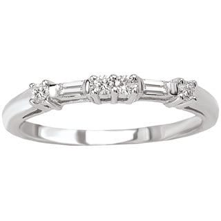 14k White Gold 1/8ct TDW Round and Baguette Diamond Wedding Band (G-H, SI1-SI2)