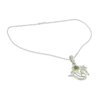 Sterling Silver 'Mystical Ganesha' Peridot Pendant Necklace (India)