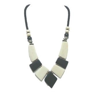 Tiara Global Black and White Beaded Necklace