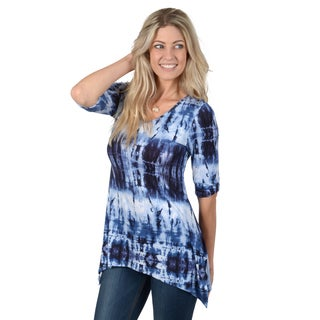 Hailey Jeans Co. Junior's Half Sleeve Tie-dye V-neck Tunic