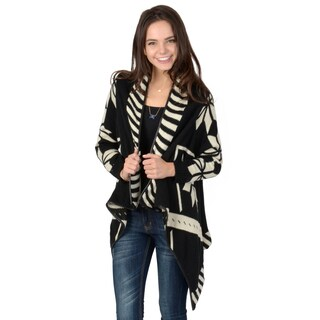 Hailey Jeans Co. Junior's Long Sleeve Heavy Knit Shall Cardigan
