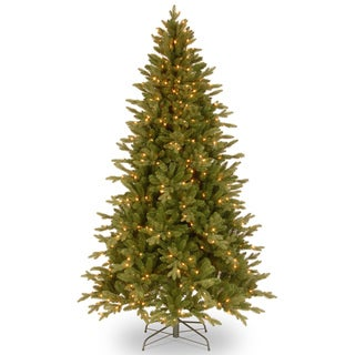 7.5-foot Feel-Real Avalon Spruce Hinged Tree with 500 Clear Lights - Green/Clear - 7.5'