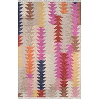 Tribal Elegance Hand-woven Multi Arrow Wool Rug (7'6 x 9'6)