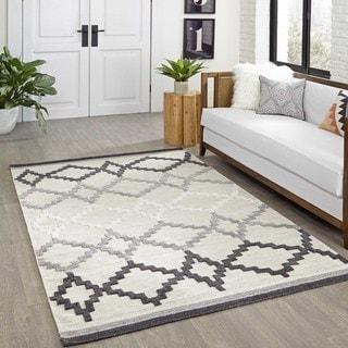 Bohemian Texture Hand-woven Grey Geometric Rug (4' x 6')