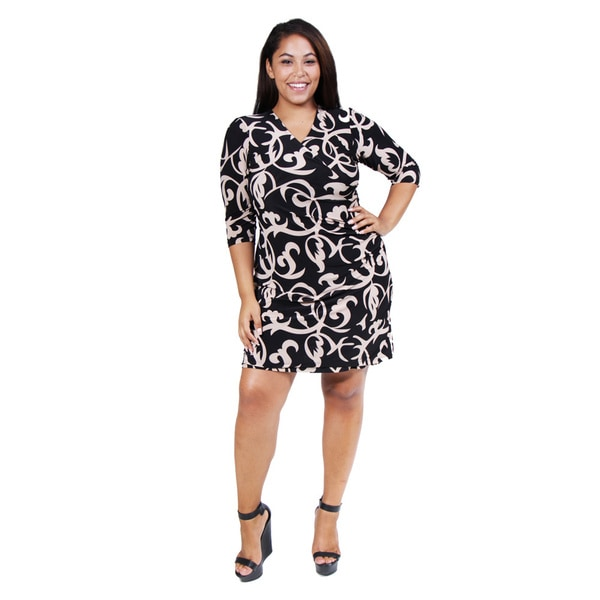 24/7 Comfort Apparel Women's Plus Size Black and Cream Wrap Dress