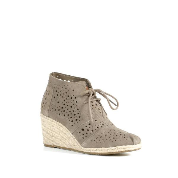 Toms Taupe Moroccan Cutout Desert Wedge