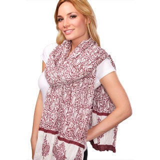 Hand-crafted Lasa Burgundy Scarf (India)