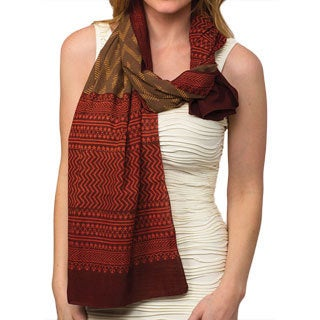 Hand-crafted Avani Burgundy Organic Cotton Scarf (India)