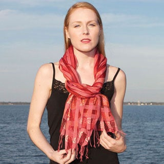 Hand-crafted Nandita Rose Cotton and Silk Shawl (India)