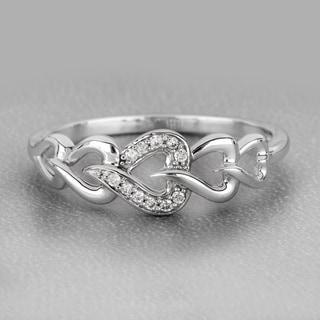 De Couer 10k White Gold 1/6ct TDW Diamond Connecting Heart Ring (H-I, I1-I2)