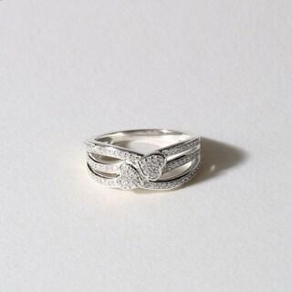 De Couer 10k White Gold 1/5ct TDW Diamond Connecting Heart Fashion Ring (H-I, I1-I2)