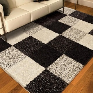 Cosmopolitan Collection Faegen Black Olefin Area Rug