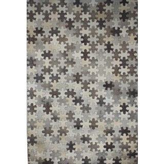 Handmade Hair On Hide Grey Leather and Hide Area Rug (5' x 8')