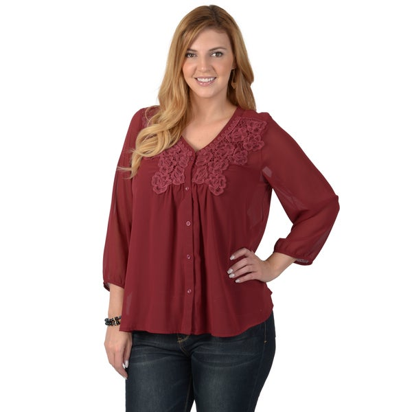 Timeless Comfort by Journee Women's Plus Button-up Chiffon Top