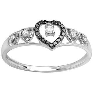 10K White Gold 1/6ct TDW Black/ White Diamond Heart Promise Ring