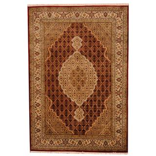 Herat Oriental Indo Hand-knotted Tabriz Red/ Ivory Wool and Silk Rug (5'7 x 8'2)
