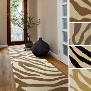 Hand-Hooked Adele Zebra Indoor/Outdoor Polypropylene Rug (2'6 x 8')