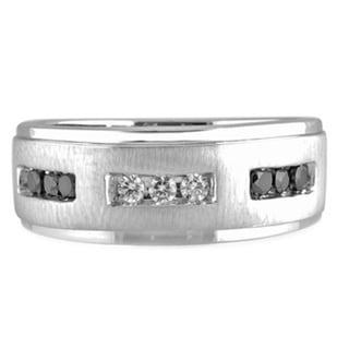 Bridal Symphony 10k White Gold Men's Black and White Diamond Ring (H-I, I1-I2)