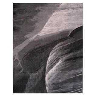 Cosmopolitan Grey Area Rug (5' x 7'3)