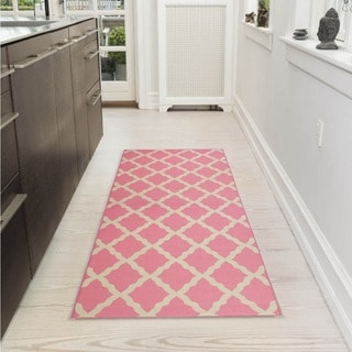Pink Collection Pink Contemporary Moroccan Trellis Design Roll Runner Rug (1'8 x 4'11)