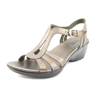 Clarks Women's 'Lilly Hip' Leather Sandals
