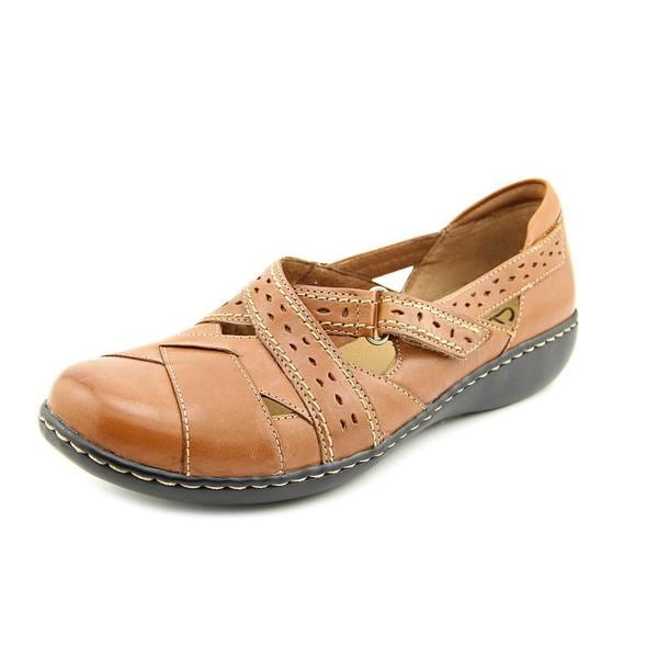 Clarks Women's 'Ashland Spin ' Leather Casual Shoes