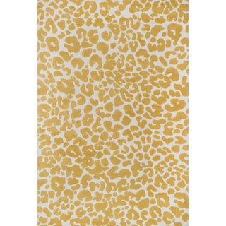 Aaron Ivory/ Gold Leopard Print Microfiber Woven Rug (7'6 x 9'6)