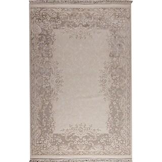 Abun White/ Beige New Zealand Wool Rug (7'10 x 9'10)