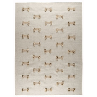 Hand-woven Napo White New Zealand Wool Rug (5'6 x 7'10)