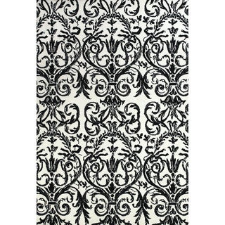 Pia Ebony and White Damask Area Rug (5' x 8')