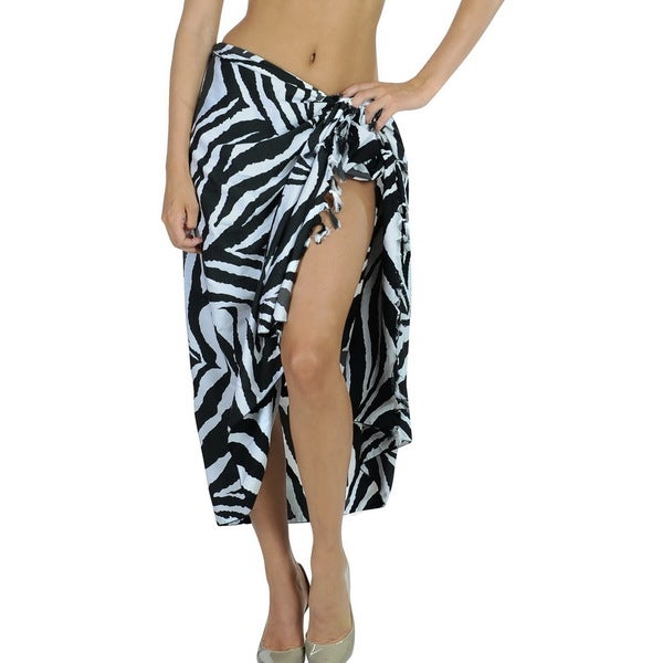La Leela Women's Black/ White Animal Print Chiffon Sarong Cover-up