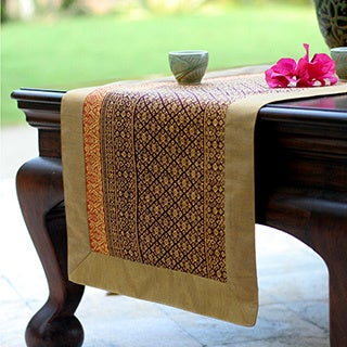 Hand-crafted Silk Cotton 'Golden Wine' Table Runner (Thailand)