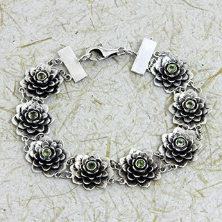 Hand-crafted Peridot 'Sacred Green Lotus' Flower Bracelet (Indonesia)